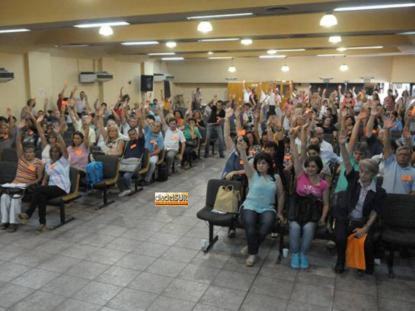 El SUTE aceptó el 25 % del Gobierno a través de un plenario
