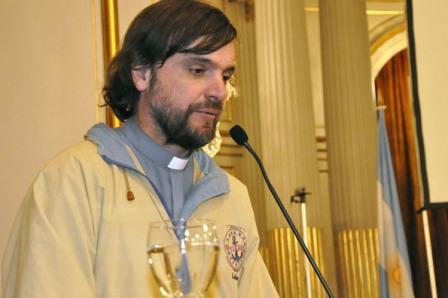 La Iglesia criticó al Estado por no asistir a adictos