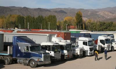 Furia de camioneros por la suba de 600% en las tasas migratorias