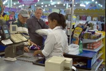 Acuerdo salarial de empleados de Comercio en punto muerto