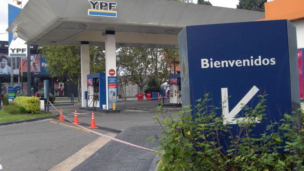 Una joda: YPF cobrará la nafta según el barrio y la hora