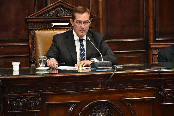 Jorge Tanús desde el PJ reclamó el retorno a los programas de cuotas sin interés