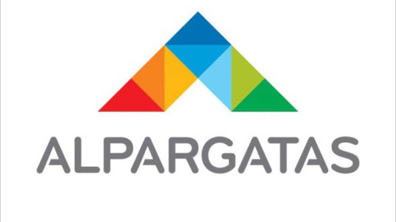 Alpargatas vende su marca Topper en Argentina y Brasil