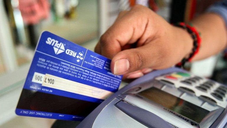 Macri puso fin a la devolución de 5% de IVA para compras con débito