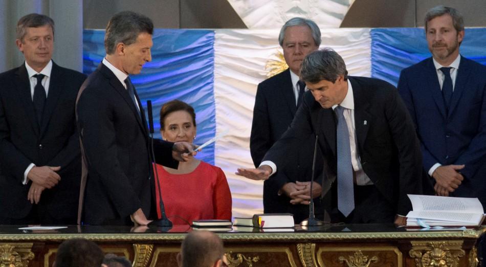 Macri puso en funciones a sus ministros en el Museo del Bicentenario