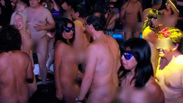 Furor por los cumpleaños nudistas en Córdoba