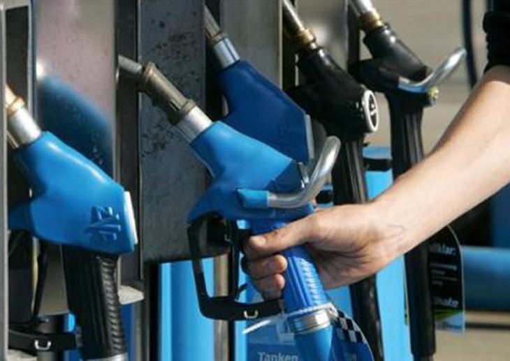 Petroleras subieron el precio mayorista de los combustibles