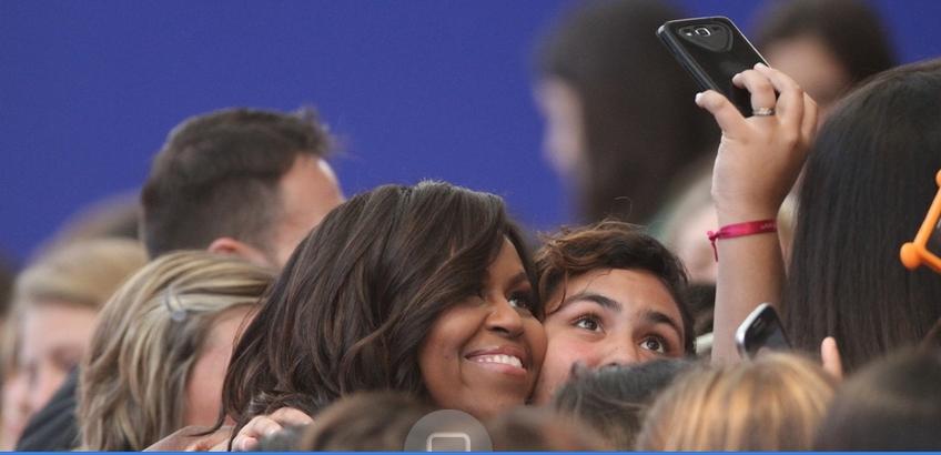 Michelle Obama y sus hijas almorzaron en una parrilla