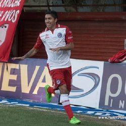 Atlético-PR suspendió pagos a Luciano Cabral