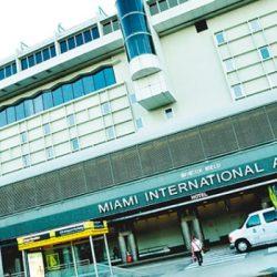 Suman vuelos a Miami por el boom de compras