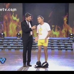 Tinelli mostró a Macri en calzoncillos y remerita. Mirá el video