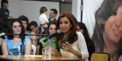 Piden nueva indagatoria de Cristina Kirchner y que se le prohíba salir del país