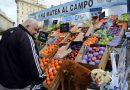 Productores regalaron 10 mil kilos de fruta en Plaza de Mayo