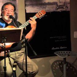 Julio Azzaroni cantará en la Biblioteca Popular Francisco Peñasco