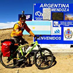 Cicloturistas chilenos preparan expedición a Mendoza en Enero
