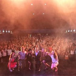Mr. Amor casi un galán: excelente estreno a sala llena
