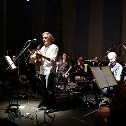 Concierto de lujo con Nito Mestre y la Filarmónica