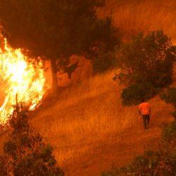 32 incendios quedan en Chile