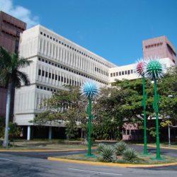 Científicos cubanos ensayan vacuna terapéutica para pacientes con VIH