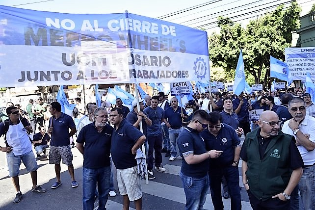Cerr la ltima f brica de llantas de la argentina d a for Ultimas noticias de la farandula argentina
