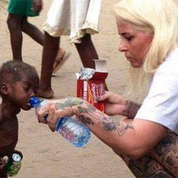 Hope: el niño desnutrido rescatado en África