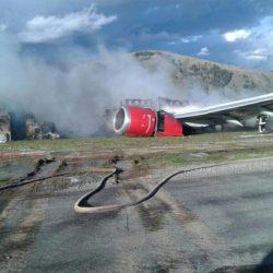 Se incendió un avión con 140 pasajeros Video....