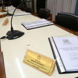 La piedra del escándalo fue la presidencia de la Comisión de Obras