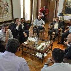 Elecciones: intendentes peronistas quieren adelantarse a Cornejo