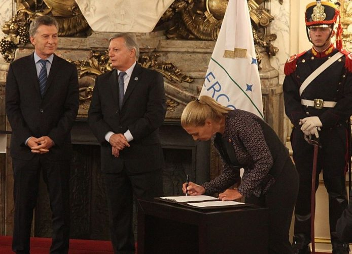 Mendoza firmó acuerdo energético con la Nación