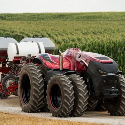 El primer tractor que se maneja solo