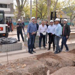 Cornejo mostró a Marcos Peña obras en Mendoza