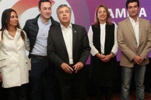 Cornejo presentó a los candidatos del FCM