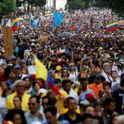 Siguen las protestas contra Maduro