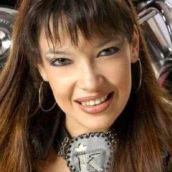 Falleció Karla, figura de la música tropical después de un incendio en su casa