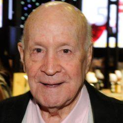 Murió José Pedro Angulo, fundador de supermercados Vea