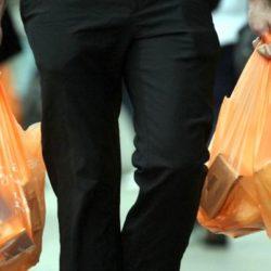 Solicitan entregar gratuitamente bolsas biodegradables en los supermercados