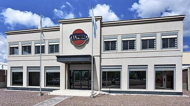 Altieri importó máquina alemana para la fabricación de cápsulas para vino y champagne