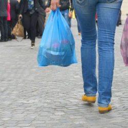 Bolsas plásticas:  San Rafael debe adherir a la Ley que prohíbe su entrega