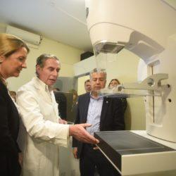 Cornejo inauguró el tercer mamógrafo para la salud de la mujer