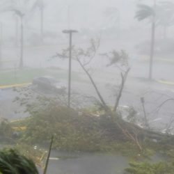 Huracán María: Puerto Rico devastado y sin luz
