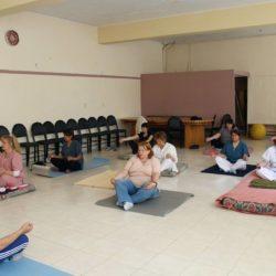 Yoga en el Hospital: la terapia alternativa es abierta a toda la comunidad