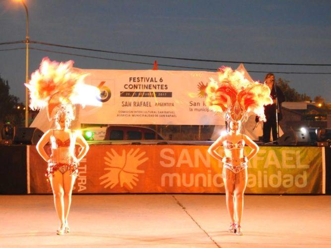 """Exitosa apertura del """"Festival 6 Continentes"""""""