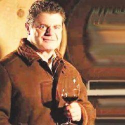 Con nuevos socios, el músico Gustavo Santaolalla relanza su proyecto vitivinícola