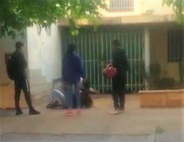 Encarnizada pelea de escolares Video...