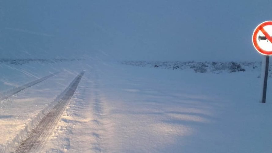 Rutas 143 y 144 intransitables por la nieve