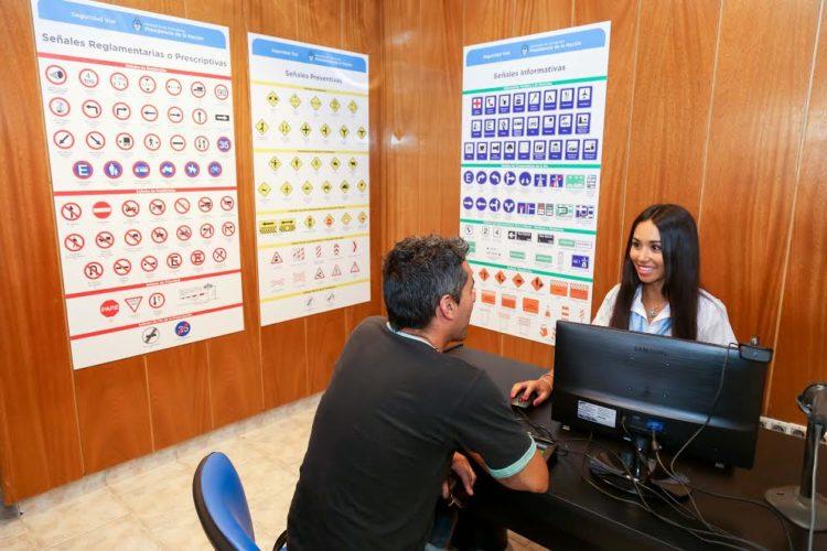 Con más horas de atención, aumentó un 40 por ciento la emisión de licencias de conducir