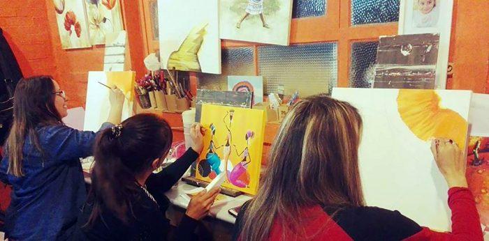 Exposición de pintura del estudio de arte y diseño Sepia