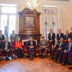 La foto de unidad que difundió el Gobierno previo a la sesión