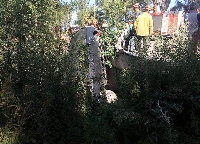 Camioneta cayó al canal Babace