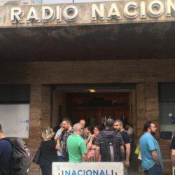 Fueron a trabajar a Radio Nacional y se enteraron que estaban despedidos